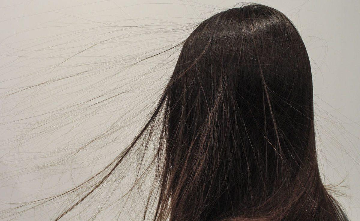 Cheveux lectriques nos conseils pour en finir avec l 39 lectricit statique - Comment enlever l electricite statique ...