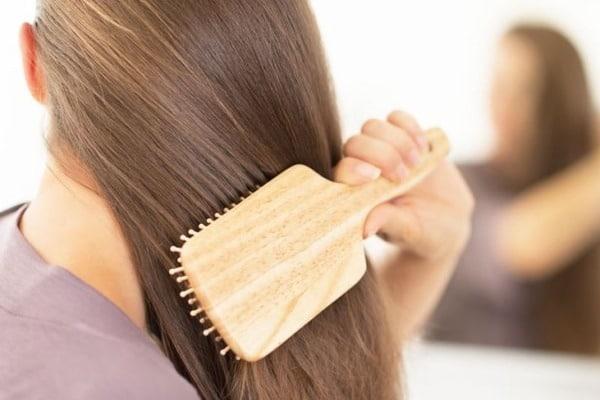 Choisir la bonne brosse pour se brosser les cheveux