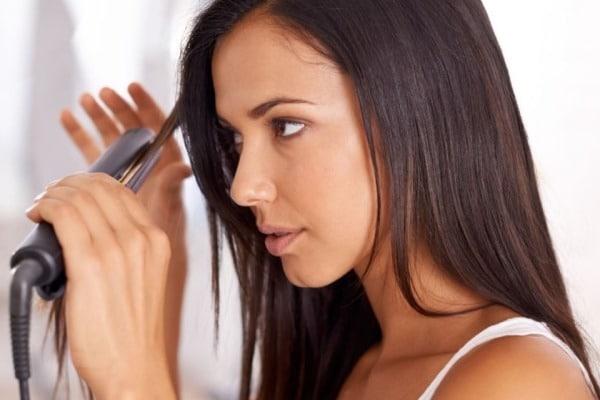 Se servir correctement de son lisseur si on veut augmenter ses chances d'avoir des cheveux brillants