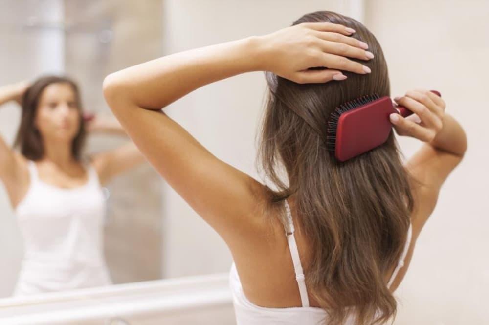 Comment choisir sa bonne brosse à cheveux