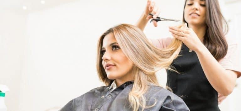 Come tagliare i capelli da sola?
